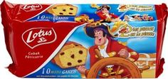 LOTUS 10 cake Pat le pirate 300gr LOTUS Mini #Cake Pat le #Pirate est un cake moelleux, fourré aux pépites de chocolat… Pour tous les chercheurs de délices ! Cake pour #enfants sur www.chockies.net Biscuits, Un Cake, Pirate, Frosted Flakes, Lotus, Cereal, Breakfast, Mini, Food