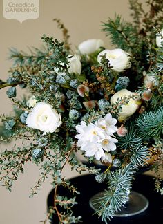 Seasonal flower arrangement: Snow white