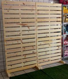 Pallet Backdrop, Diy Pallet Wall, Pallet Display, Wood Pallet Furniture, Deco Furniture, Diy Room Divider, Nail Room, Boutique Decor, Sweet Home Alabama