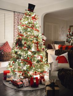 Christmas Cottage Nights Home Tour - Fox Hollow Cottage White Christmas Trees, Cottage Christmas, Christmas Porch, Christmas Night, Christmas Store, Simple Christmas, All Things Christmas, Easy Christmas Decorations, Christmas Crafts For Kids