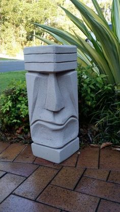 Tree Carving, Wood Carving Art, Wood Art, Cement Art, Concrete Art, Abstract Sculpture, Sculpture Art, Easter Island Statues, Simple Wood Carving