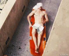 "tom hiddleston high rise gif | Tom Hiddleston nudo in ""High Rise"", finalmente il…"