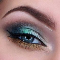 Mermaid At Sunset Makeup Tutorial by Paolla MakeUp. Makeup Geek Eyeshadow in Bea… - Makeup Tutorial Lipstick Makeup Geek Eyeshadow, Eye Makeup Art, Colorful Eye Makeup, Makeup For Green Eyes, Natural Eye Makeup, Eye Makeup Tips, Makeup Kit, Eyeliner Ideas, Eyeshadow Ideas