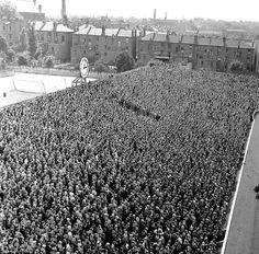 Clock End antiguo estadio de Highbury en Londres. 1956