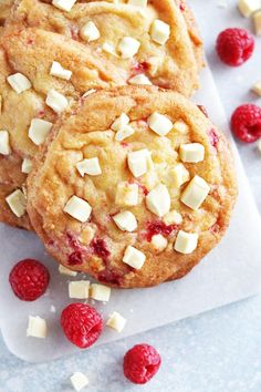 Raspberry Cheesecake Cookies - The Linkery Köstliche Desserts, Delicious Desserts, Dessert Recipes, Raspberry Cheesecake Cookies, Rasberry Cookies, Lemon Biscuits, Savoury Cake, Mini Cakes, Other Recipes