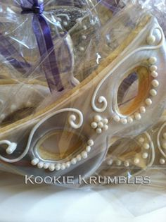 adorable mask favors! Mardi Gras
