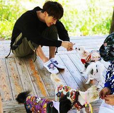 Lee Joon Gi Instagram, Lee Jong Ki, Picnic Blanket, Outdoor Blanket, Moon Lovers, Busan, Beautiful Boys, Korean Actors, A Good Man