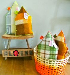 Houses! Nice, comfortable and very decorative house-shaped cushions. Made of vintage woolen blankets - made by bloemm