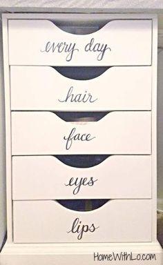 Makeup & Hair Ideas: DIY your photo charms, compatible with Pandora bracelets. Make your gifts s… Make-up & Haar Ideen: DIY Ihr Foto bezaubert kompatibel mit Pandora Armbändern. Machen Sie Ihre Geschenke s Make Up Organizer, Make Up Storage, Storage Ideas, Storage Solutions, Storage Organizers, Diy Storage, Storage Shelves, Storage Hacks, Storage Drawers