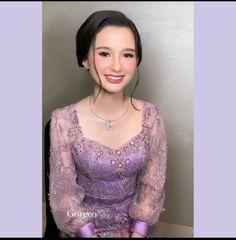 Kebaya Lace, Kebaya Dress, Kebaya Brokat, Dress Brokat Modern, Kebaya Modern Dress, Model Dress Batik, Batik Dress, Traditional Dresses Designs, Traditional Fashion