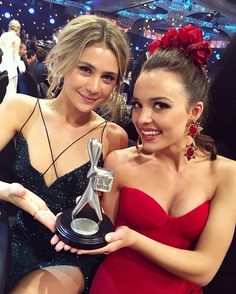 Tessa(Billie) and pip(Evie) Home And Away Cast, Hollyoaks, Coronation Street, Pretty Girls, Beautiful People, Actresses, Evie, Suzy, Celebrities