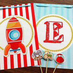 Festa Brinquedos #papelcomdesign #papelariapersonalizada #festaspersonalizadas #lembrancinhas #festainfantil #especialgifts # festabrinquedos #bandeirola #tagsdoces #toppers #decoracaofesta