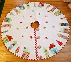 Behind Mytutorlist.com: Quilted Christmas Tree Skirt Tutorials I Want to Try