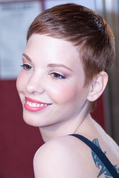 Icy Short Pixie Cut - 60 Cute Short Pixie Haircuts – Femininity and Practicality - The Trending Hairstyle Really Short Haircuts, Girls Short Haircuts, Very Short Hair, Short Hair Cuts For Women, Short Hair Styles, Very Short Pixie Cuts, Popular Short Hairstyles, 2015 Hairstyles, Pixie Hairstyles