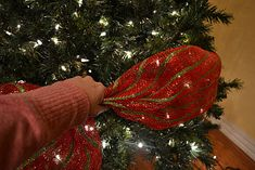DIY ~ decorating a Christmas tree with mesh ribbon tutorial