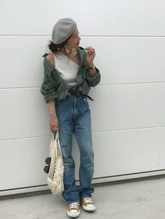 ワンショルダータンクに カーキシャツをえり抜き♫ Instagram 日々更新♫ blogはヘアス