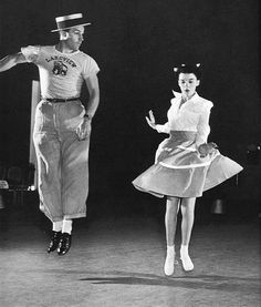 Gene Kelly and Judy Garland rehearsing a number that appears in For Me and My Gal (Busby Berkeley, 1942) Gene looks suspended in air
