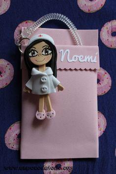 www.unpocodetodo.org - Salvabolsillos de Noemi Patri y Elena - Salvabolsillos - Broches - Goma eva - crafts - custom - customized - enfermera - enfermeria - foami - foamy - manualidades - nurse - personalizado - portabolis - 4