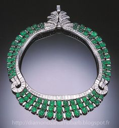 Art Deco Diamond and Emerald Necklace by Van Cleef & Arpels, circa This Necklace Can Be Worn Facing Either Way. Bijoux Art Deco, Art Deco Jewelry, Fine Jewelry, Jewelry Design, Geek Jewelry, Emerald Necklace, Emerald Jewelry, Diamond Necklaces, Jewelry Necklaces