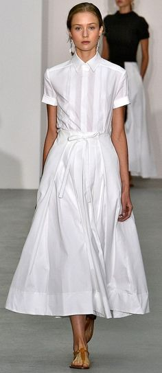 Jasper Conran Spring-Summer 2017 Ready-to-Wear Source by lenipetrich clothes fashion haute couture Jasper Conran, Cooler Look, Looks Street Style, Mode Outfits, White Outfits, White Fashion, Spring Summer Fashion, Summer Chic, Casual Summer