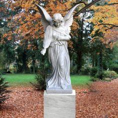 Einzigartige Grab Engel Figur Florentina für Einzelgrab aus Marmor • Qualität & Service direkt vom Bildhauer • Jetzt Grabstein online kaufen bei ▷ Serafinum.de