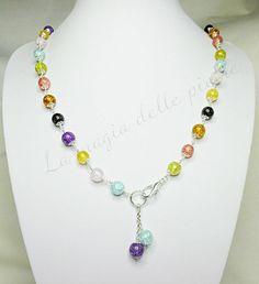 Collana estiva in quarzi | La magia delle pietre Tanti colori per l'estate racchiusi in una collana con pendente in perle di quarzo