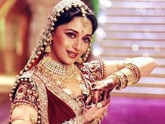 Top 10 Mujras of Bollywood : Madhuri Dixit in Kaahe Chhed Mohe…