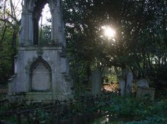 A bad witch's blog: London Necropolis: Tower Hamlets Cemetery Park