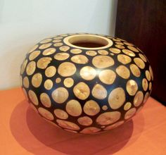 Clyde Neumann. Refined craftsman in wood. Artisan Gallery Email: info@artisan.co.za. Ph 031 312 4364