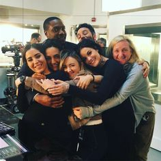 We're getting cozy for Blindspot's return TONIGHT! Luke Mitchell, Series Movies, Movies And Tv Shows, Tv Series, Blindspot Tv, Hug Pose, Furious 7 Movie, Resident Evil Game, Ashley Johnson