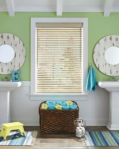 Spring into style with Hunter Douglas Everwood® Collection of wood blinds.  A perfect window treatment for a bathroom that offers the traditional style of wood blinds with the durability of modern engineered materials.