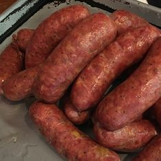 Knackwurst are a wonderful, peppery alternative to bratwurst. Served as a snack, or part of a main course, knackwurst are popular in Germany and the United States. Serve them anytime of… Chorizo, Charcuterie, Home Made Sausage, Sausage Making, Pork Brisket, Venison, Pork Meat, Grilling Recipes, Gastronomia