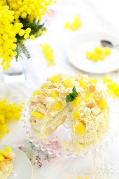 Torta mimosa à l'ananas, la véritable recette de ce gâteau entremets italien