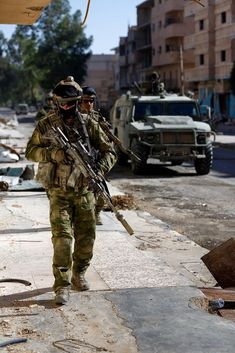 Warrior Assault Systems Personal Medic Rip Off 💪 . Russian Special Forces Spetsnaz commandos patrolling in Latakia during the Syrian Civil War Special Forces Gear, Military Special Forces, Military Gear, Military Police, Military Aircraft, Us Army Soldier, Syrian Civil War, Military Pictures, Paintball