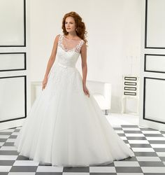 EK1005_full.jpg (800×850) There are also styles that work for for every body type. No matter if you a short, tall, with big or small busts, these wedding gowns are a great choice for any bride: Eddy K Wedding Gowns, Perfect Wedding Dress, Wedding Bridesmaid Dresses, Bridal Gowns, Dress Wedding, Wedding Attire, Designer Wedding Dresses, Wedding Dress Shopping, Decoration