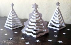 Make your own Paper Christmas Trees with a few cuts. Turn a Tree into a Paper Christmas Tree. Paper Christmas Decorations, Christmas Paper Crafts, Christmas Projects, Holiday Crafts, Christmas Crafts For Kids To Make At School, Christmas Templates, Christmas Origami, Noel Christmas, Simple Christmas