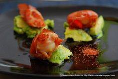 La Piccola Casa: Gli antipasti: Capesante e speck alla piastra con avocado marinato al lime