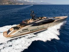 Palmer Johnson is the premier designer and builder of sportyachts and super yachts in Europe and the USA. Super Yachts, Big Yachts, Yacht Fashion, Boat Fashion, Luxury Jets, Luxury Yachts, Palmer Johnson Yachts, Location Airbnb, Cruiser Boat