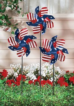 Patriotic Pinwheels for your outdoor decor~ Happy of July! or Memorial day, or Labor day! Fourth Of July Decor, 4th Of July Celebration, 4th Of July Decorations, 4th Of July Party, July 4th, 4th Of July Wreath, Outdoor Decorations, Holiday Decorations, Garden Decorations