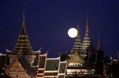 Supermoon Photo Gallery - Sakchai Lalit/AP Photo