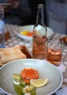 Restaurants in Wien: Lugeck Figlmüller. Tatar vom Seesaibling mit Avocado und Krenmayo. | Mehr dazu auf http://www.piximitmilch.at/