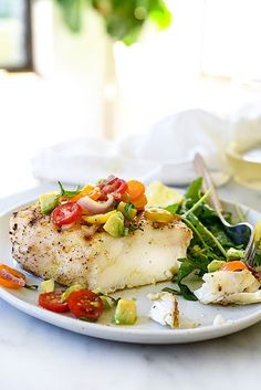 Grilled Halibut With Tomato Avocado Salsa: 14 Healthy Recipes for Grilled Fish to Kick Off Warm Weather via Brit + Co Fish Dishes, Seafood Dishes, Main Dishes, Fish Recipes, Seafood Recipes, Cooking Recipes, Cooking Ideas, Easy Delicious Recipes, Salads