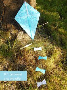 Cerf Volant avec des pailles et du papier