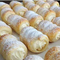 بِسْمِ اللَّهِ الرَّحْمَنِ الرَّحِيم Mekan ürün tanitimi ve Reklam icin DM Pastry Recipes, Sweets Recipes, Cookie Recipes, Desserts To Make, No Bake Desserts, Pasta Cake, Dessert Presentation, Homemade Flour Tortillas, Recipe Mix