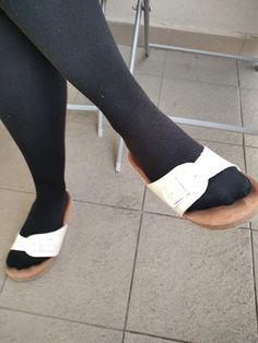 Flip Flop Sandals, Flip Flops, Birkenstock, How To Wear, Beach Sandals, Slipper, Reef Flip Flops