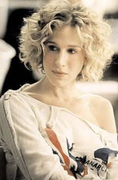 Carrie Bradshaw Short Hair | Even Carrie Bradshaw had a bob for a while! (And we all secretly want ...