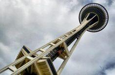"""El recinto ferial que rodea la """"aguja"""" ha sido convertido en el Seattle Center, que sigue siendo el sitio de varios eventos cívicos y culturales tales como el Bumbershoot (un festival musical), Folklife (festival de folk) y el Bite of Seattle (un festival gastronómico)"""