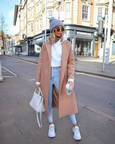 March 02 2020 at fashion-inspo Casual Winter Outfits, Winter Fashion Outfits, Look Fashion, Autumn Fashion, Modern Fashion Outfits, Sneakers Fashion Outfits, Fashion Women, Winter Outfits Women, Fashion Ideas