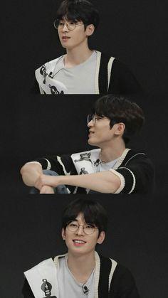 Diecisiete Wonwoo, Carat Seventeen, Won Woo, Seventeen Wonwoo, Seventeen Wallpapers, Multi Photo, Funny Kpop Memes, Seventeen Magazine, Pledis Entertainment
