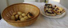 Placinta cu mere delicioasa - Retete in imagini - Culinar.ro Forum Food, Petit Fours, Meal, Eten, Meals